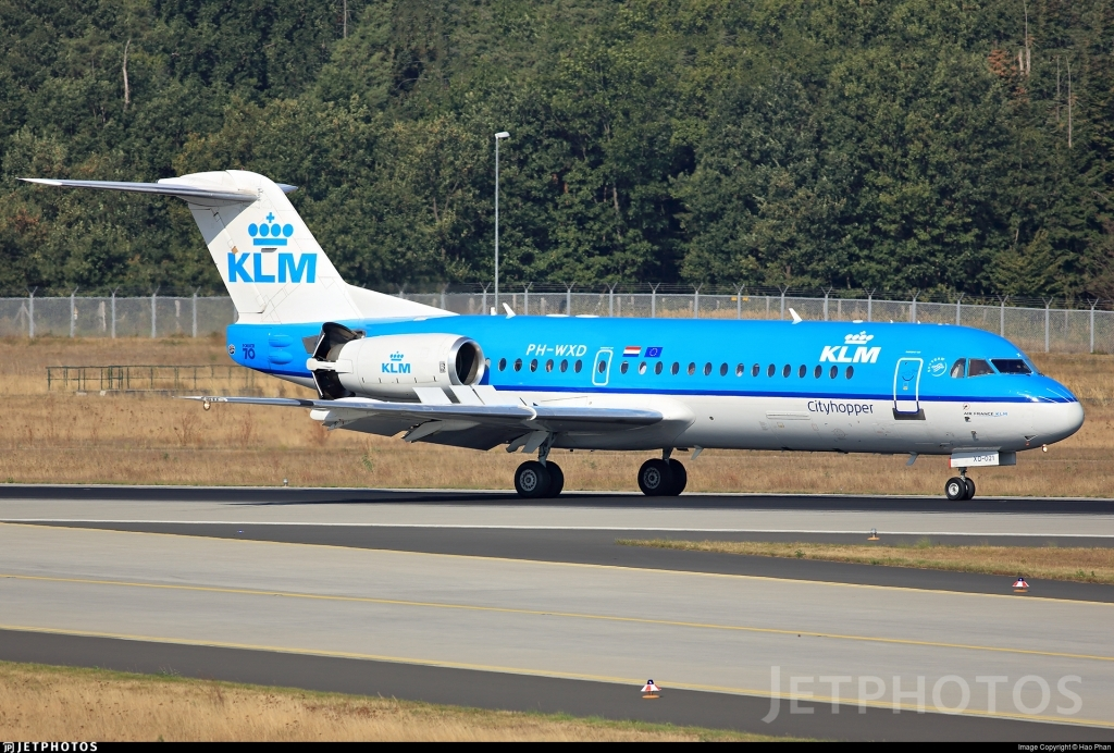 Fokker 70 Spy Shots