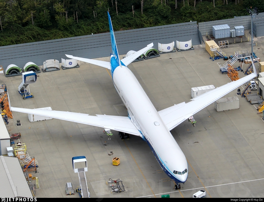 Boeing 7779X Spy Photos