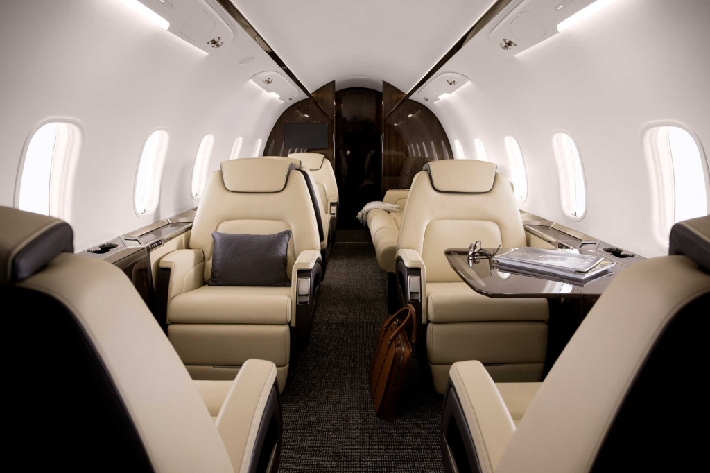 Bombardier Challenger 350 Images