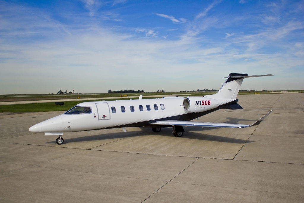 Bombardier Learjet 70 Pictures