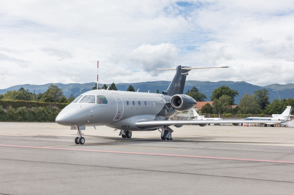 Embraer Legacy 450 Wallpapers