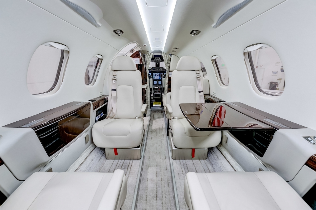 Embraer Phenom 300 Pictures