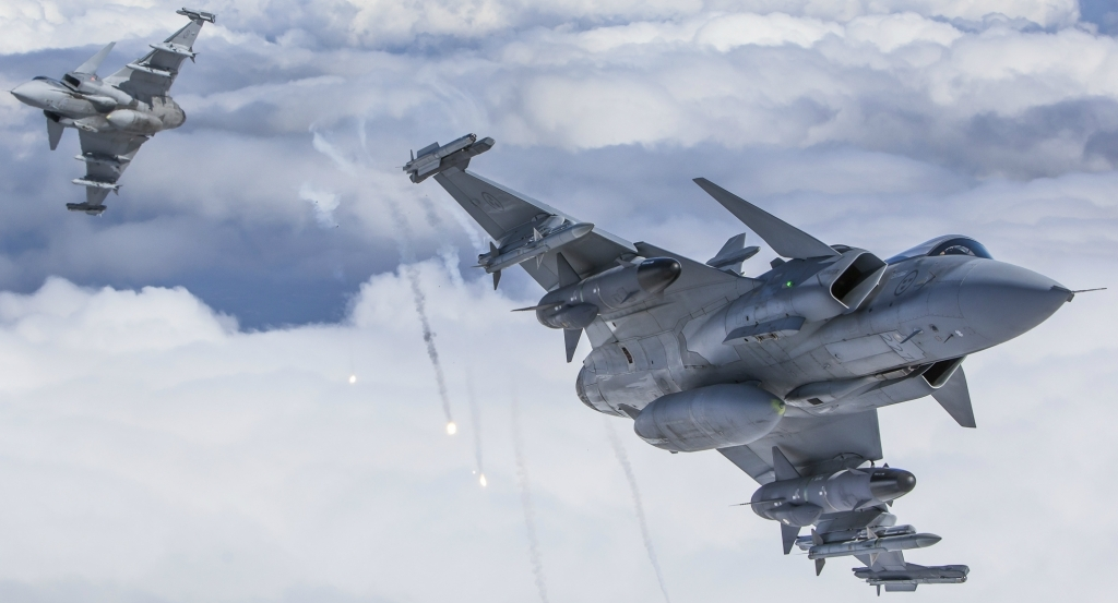 SAAB Gripen E Fighter Jet Pictures
